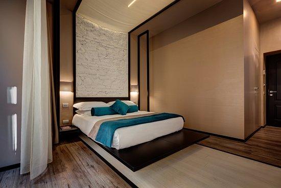 Dharma Hotel & Luxury Suites Bild