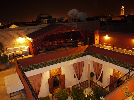 Riad El Zohar: Terrace Courtyard by Night