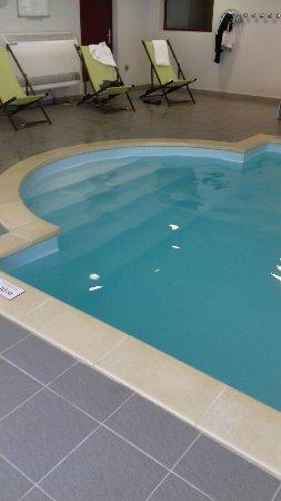 Cerise Carcassonne Sud: la piscine