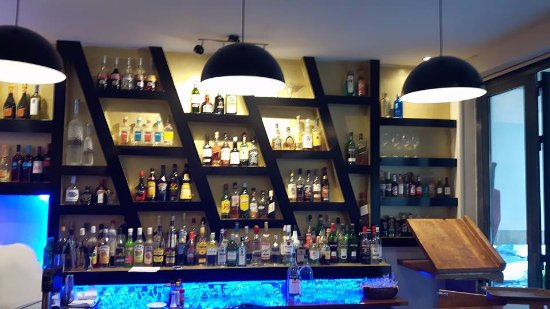 Visions Bar