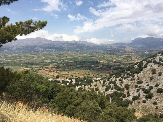 Lasithi Prefecture, Hellas: View from Psychro Cave
