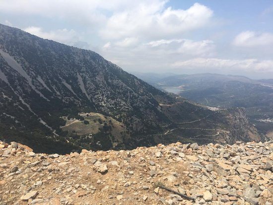 Lasithi Prefecture, Hellas: View from the start of the plateau road