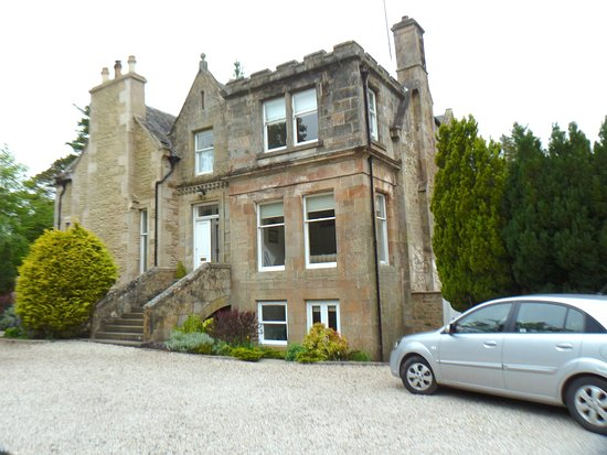 Auchterarder, UK: Main driveway approach to Rutherford house