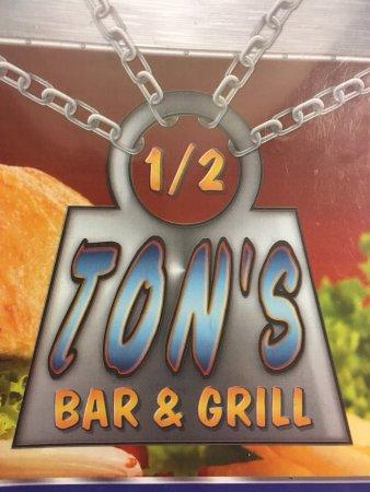 Potsdam, NY: Half Ton's Bar and Grill