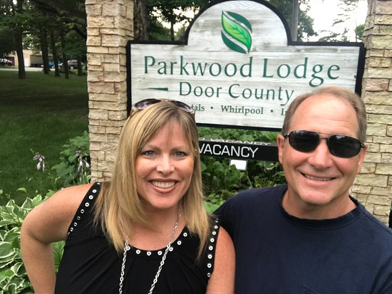 Parkwood Lodge: Using our new selfie stick