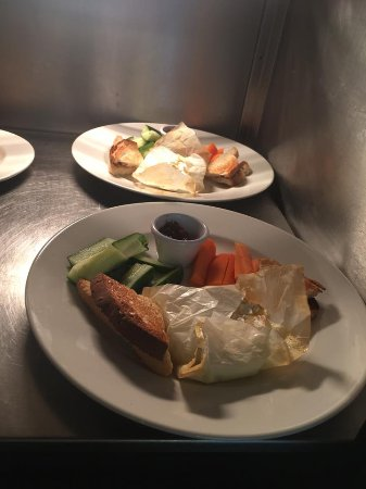 Fleet, UK: Baked camembert