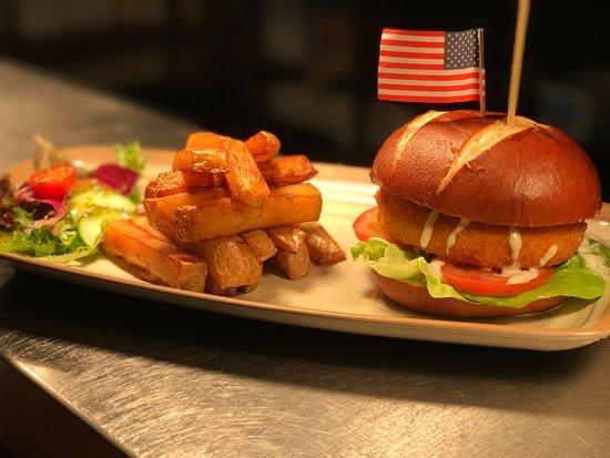Marty 39 s kitchen bar wigan ristorante recensioni for Fish burger near me