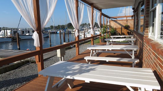 Solomons, MD: Outdoor Seating