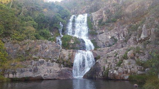 Cavalcante, GO: Cachoeira Candaru. Há uma piscina natural abaixo da segunda e também da última quada