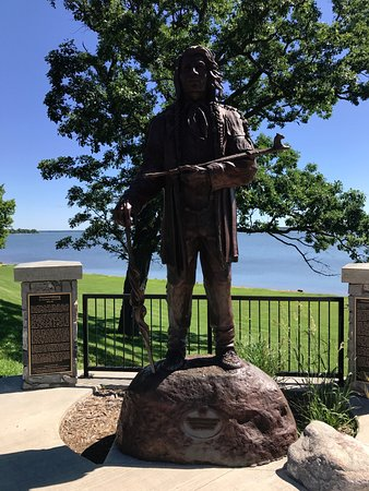 Chief Bemidji statute overlooking Lake Bemidji