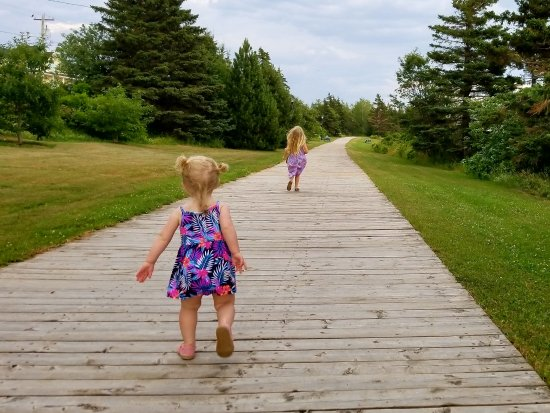 North Rustico, Canadá: Family walk at the Sea Walk