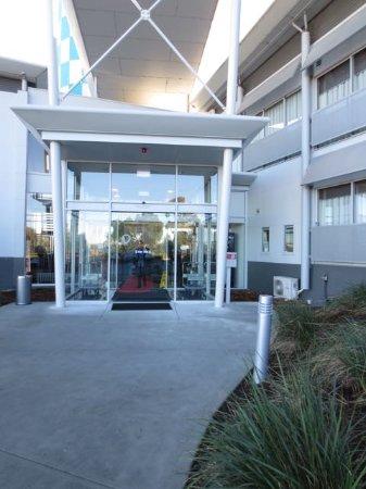 Cambridge, Australië: Hotel entrance