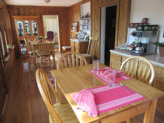 Ironton, MO: Plain & Fancy Interior-Breakfast/Refreshment Room