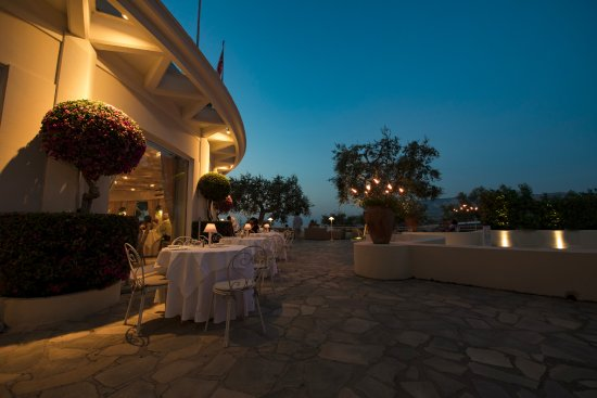 Dafne Of The Grand Hotel Aminta Outdoor A La Carte Sorrent Restaurant Bewertungen Telefonnummer Fotos Tripadvisor