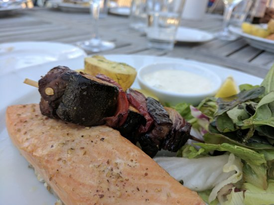 Saltsjobaden, Sverige: Main/entree course - fatty, grilled salmon, with mixed green salad, potatoes, glazed vegetables