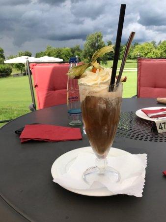 Oberrot, Allemagne : Eiskaffee