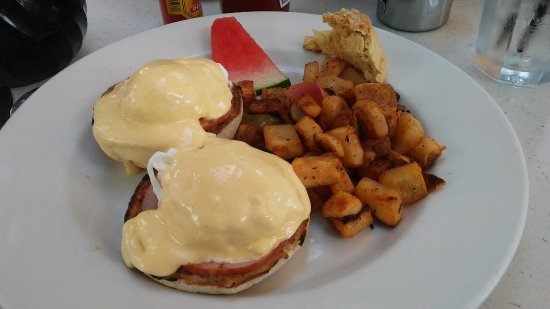 The Cottage La Jolla : Eggs Benedict