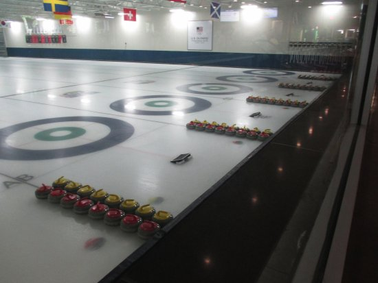 ‪Four Seasons Curling‬