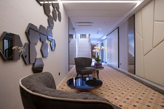 Balcony - Picture of Hotel Riva, Petrovac - Tripadvisor