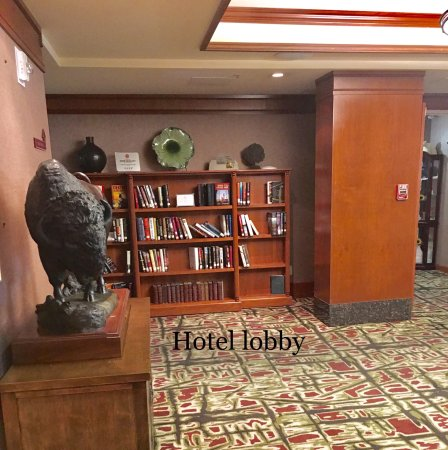 Delta Banff Royal Canadian Lodge: Hotel lobby -