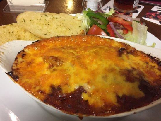 West Woodburn, UK: Veggie lasagne with garlic bread