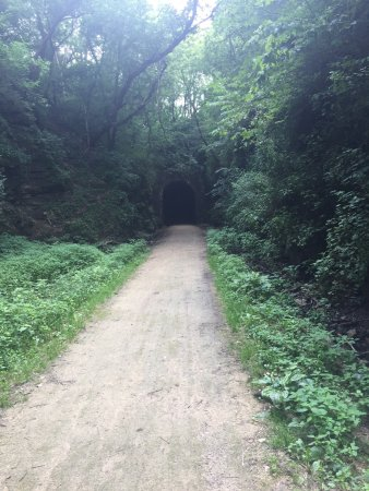 New Glarus, WI: Approaching the Tunnel