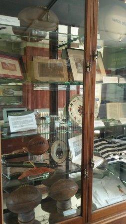 Rugby, UK: vetrina con medaglie e riconoscimenti