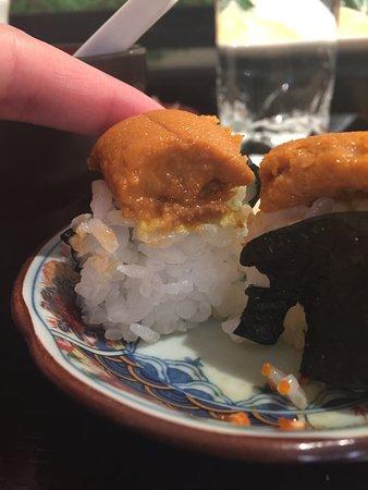 Kaiko: Nigiri's en sashimi kakelvers