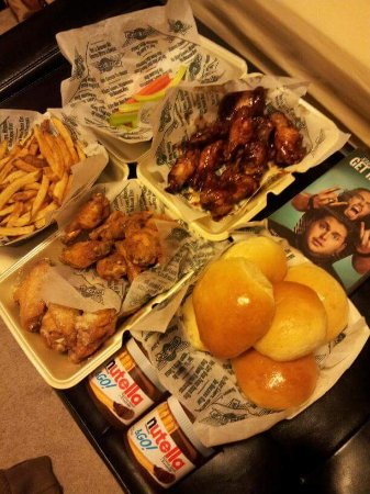 South Gate, CA: Wing Stop