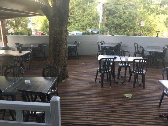 Le Blandonnet: nouvelle terrasse