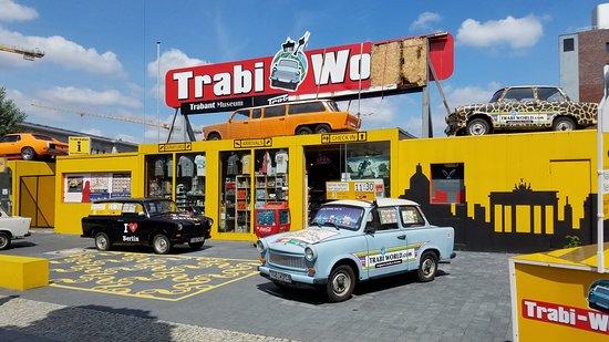 Trabi-Safari - TrabiWorld Berlin: Trabi World Shop
