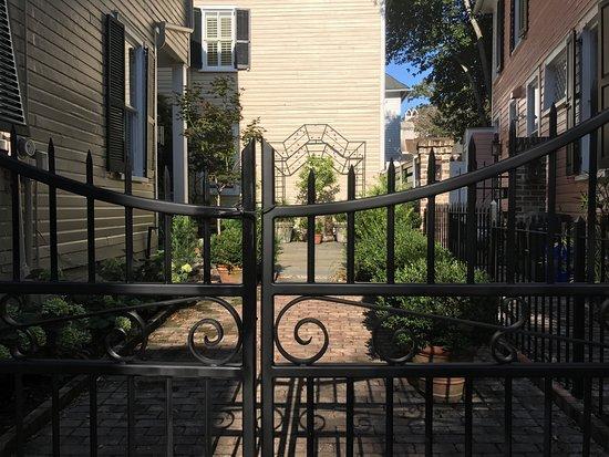 Charleston Sole Walking Tours : photo2.jpg