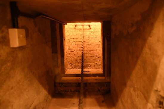 The Channel Islands Military Museum: ESCAPE HATCH