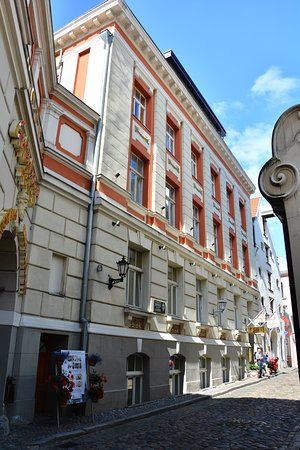 Hotel Gutenbergs: The hotel has a great location on a small street in old town of Riga