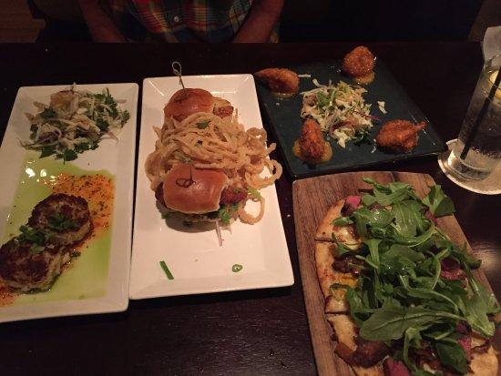 Tommy Bahama's Restaurant & Bar: Crabcakes, Scallop sliders, coconut shrimp, steak flatbread