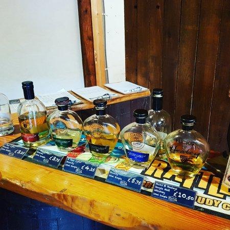 Truro, UK: Tasting whiskey 