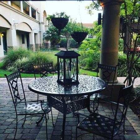 Vineyard Court Designer Suites Hotel: photo0.jpg