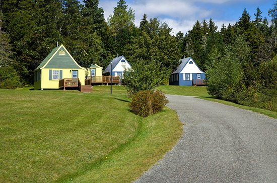 Fundy Highlands Motel & Chalets, Hotels in Alma