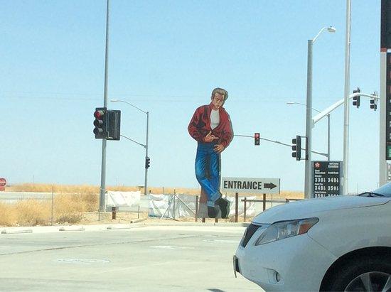 Lost Hills, CA: Blackwell's Corner - James Dean's last stop