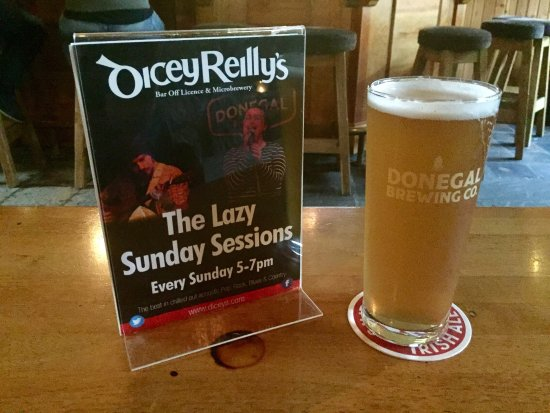Dicey Reilly's Pub & Off-Licence: photo0.jpg