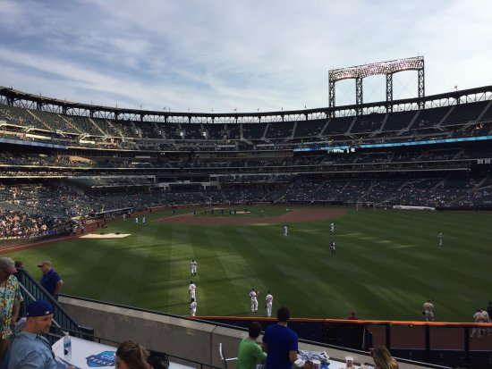 Flushing, État de New York : The Mets on the field