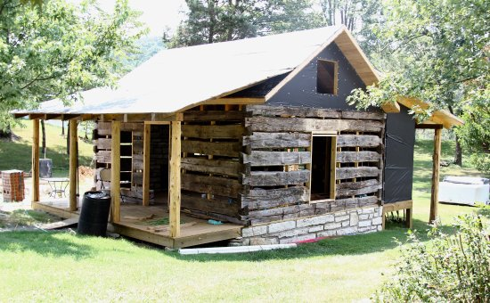Rogersville, TN: Log cabin