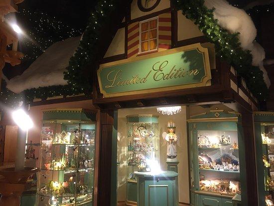 Kathe Wohlfahrt's Christmas Shop: photo3.jpg