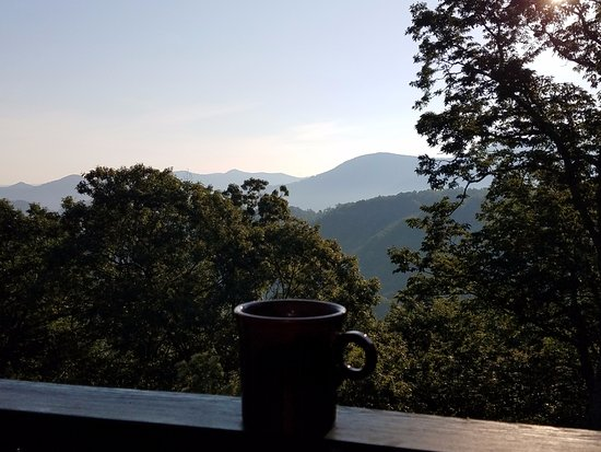 Sourwood Inn: Coffee on the Room 6 porch.
