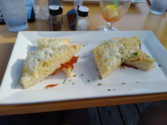 Chester, Canada: Garlic cheese toast