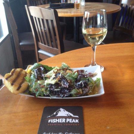 Cranbrook, Καναδάς: Caesar Salad with 6oz CYT Sauv Blanc