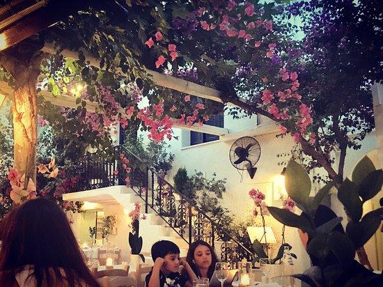 Avra Restaurant - Garden : photo0.jpg