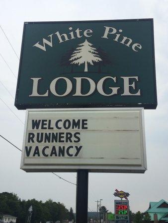 photo0.jpg - Picture of White Pine Lodge, Christmas - TripAdvisor