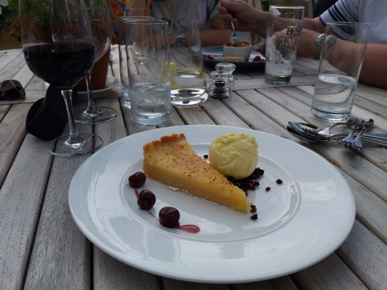 Coach & Horses Restaurant: Lemon cheesecake