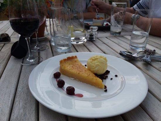 Bolton by Bowland, UK: Lemon cheesecake
